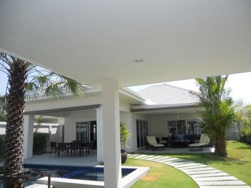 Luxury pool villa in hua hin real estate thailand for Outdoor furniture hua hin